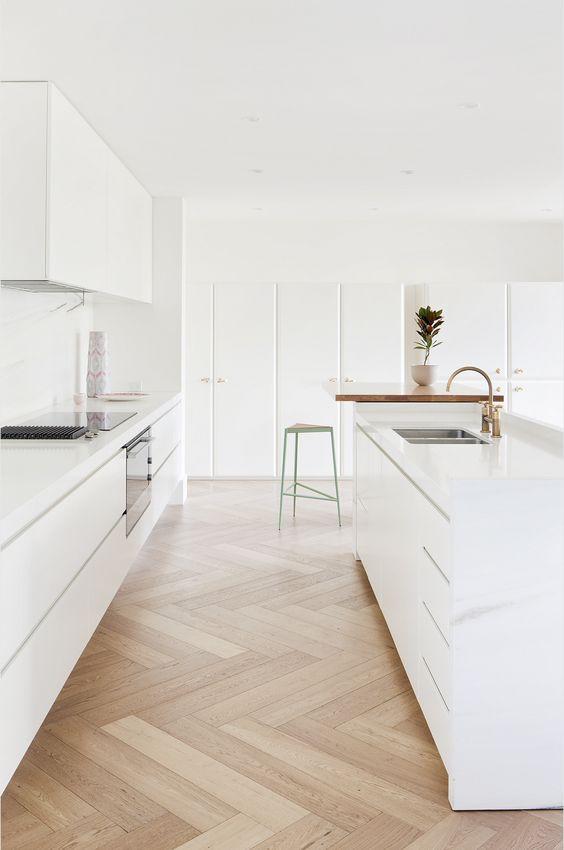 مدل کابینت مدرن های گلاس رنگ سفید