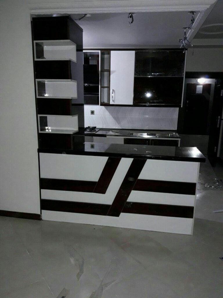 کابینت آشپزخانه های گلاس سفید مشکی با طراحی مدرن