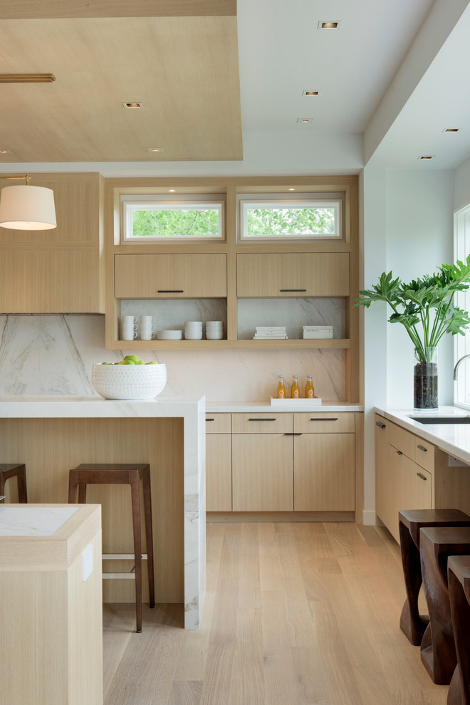 آشپزخانه مدرن ام دی اف با رنگ روشن