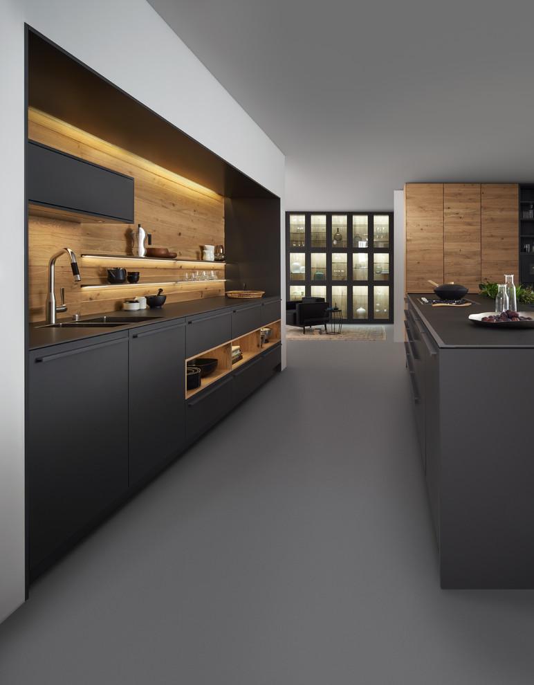 آشپزخانه مدرن- مدل آشپزخانه تیره با قطعات چوب و ام دی اف