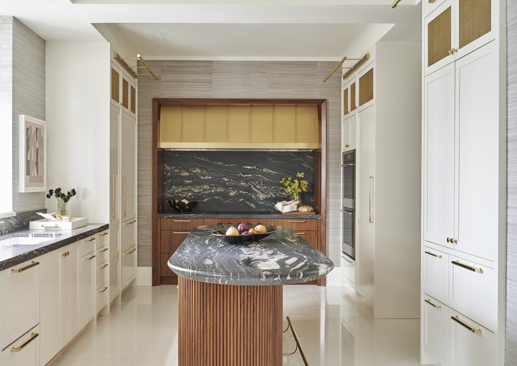 آشپزخانه مدرن با جزیره بیضی
