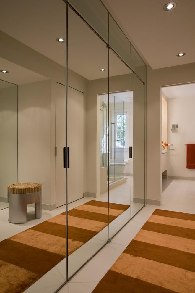 کمد دیواری با درب آینه ای