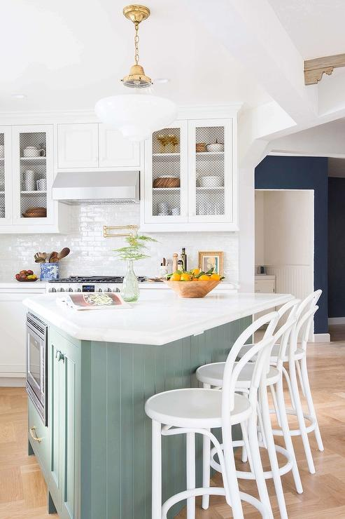 طراحی آشپزخانه سه گوش4