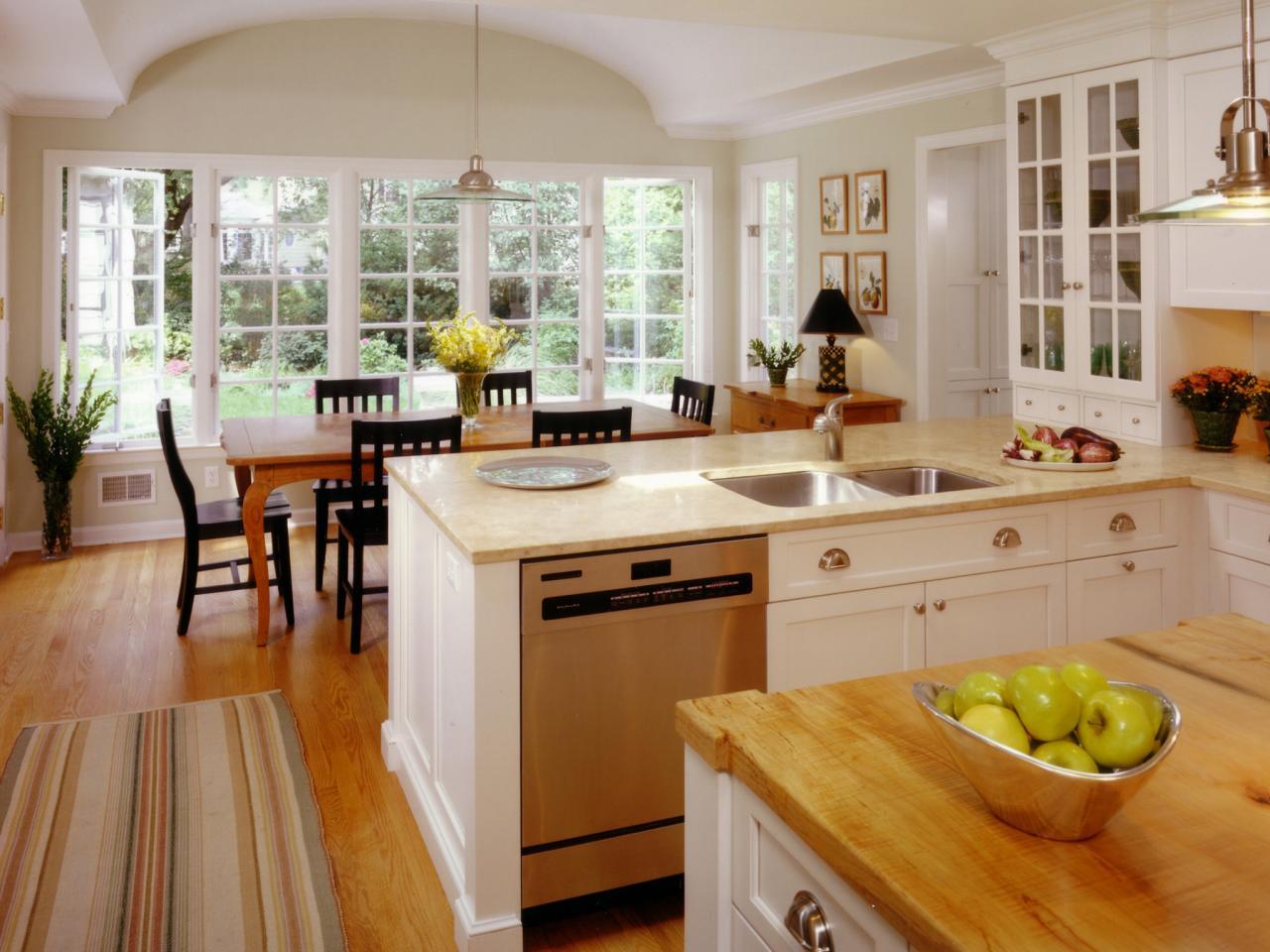 دیزاین آشپزخانه بزرگ 8