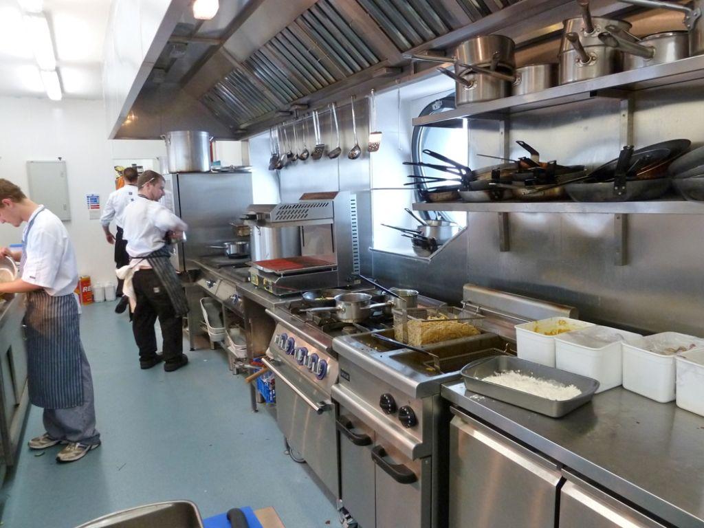 آشپزخانه صنعتی 11