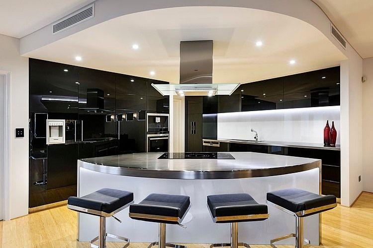 طراحی آشپزخانه سه گوش 10