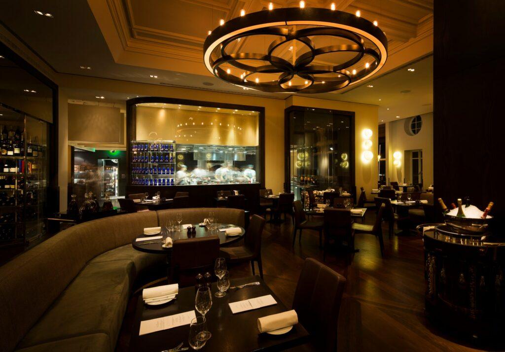 طراحی لاکچری رستوران داخلی (3)